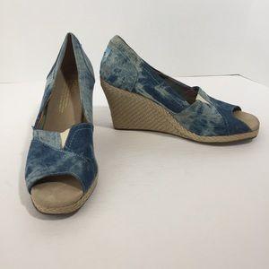 Toms blue denim peep toe wedges, 6.5